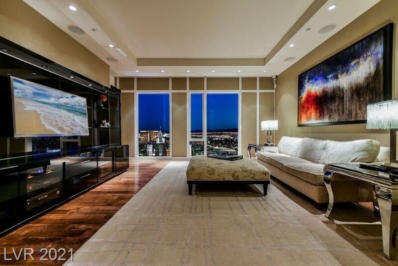 3750 S Las Vegas Boulevard #4002 Property Photo