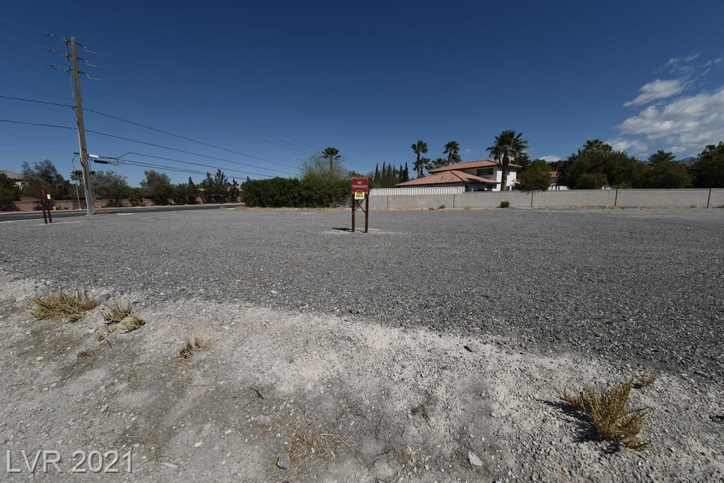 7201 N Jones Boulevard Property Photo