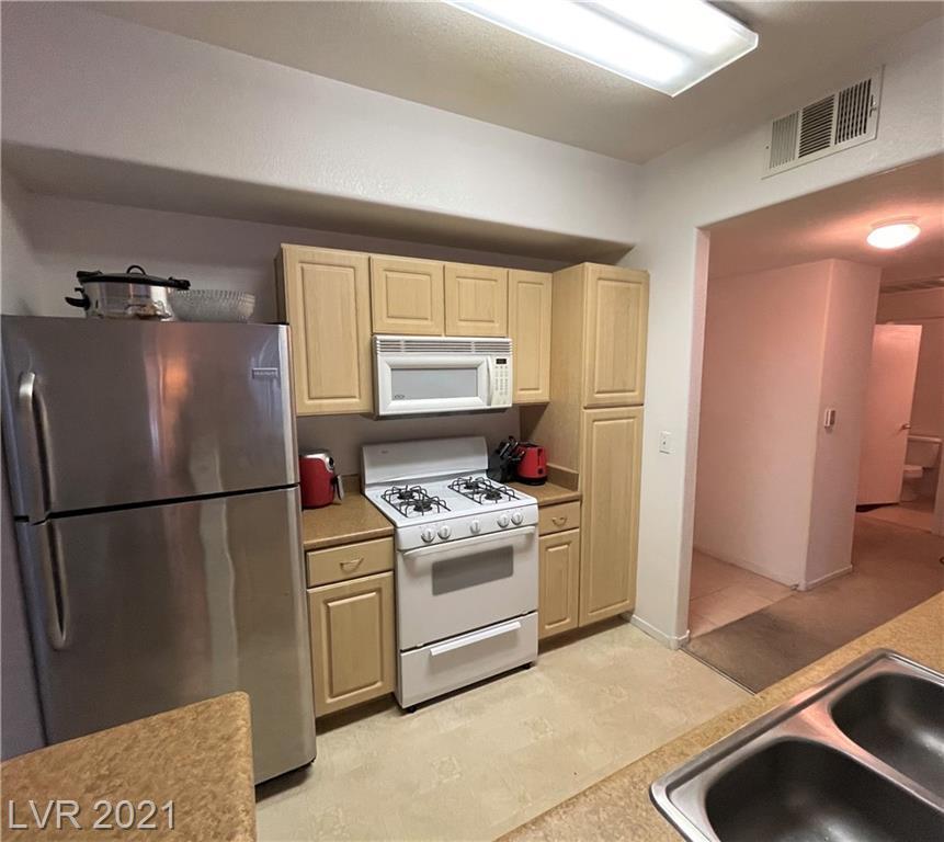 8250 Grand Canyon Drive #1024 Property Photo