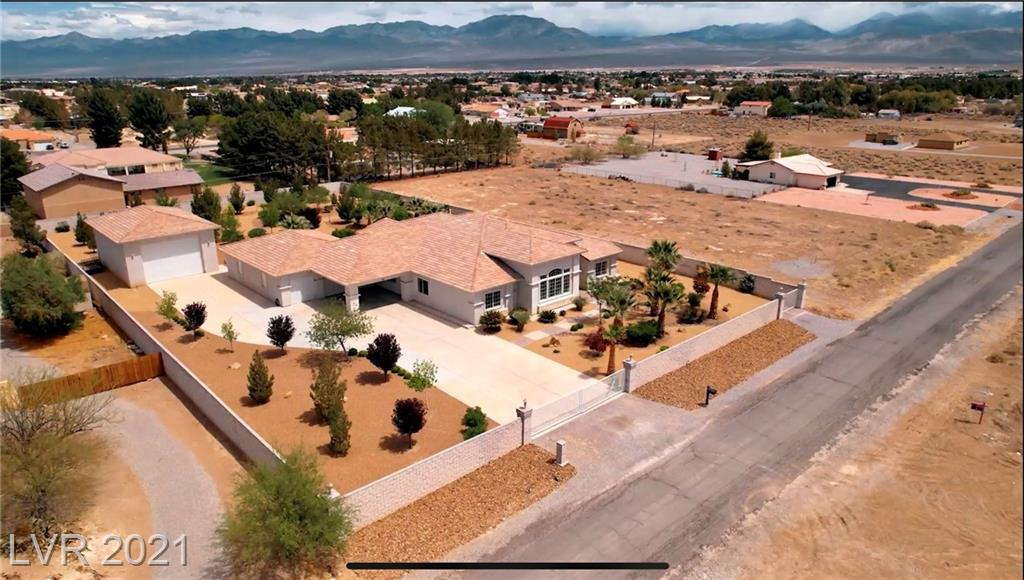 1050 W Amarillo Property Photo