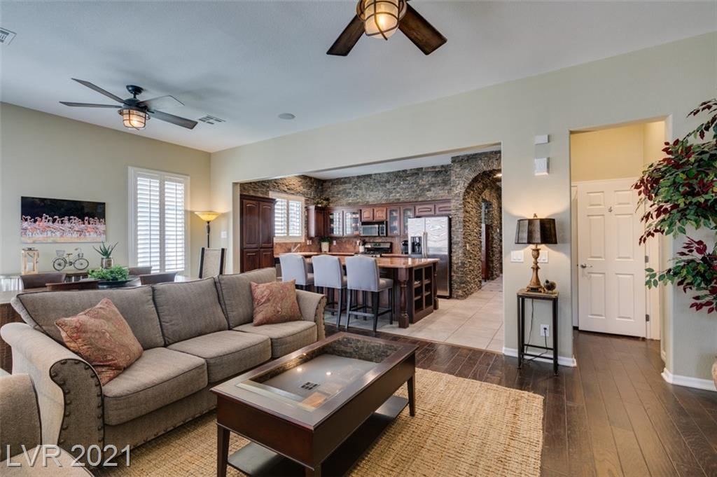 1196 Olivia Parkway Property Photo
