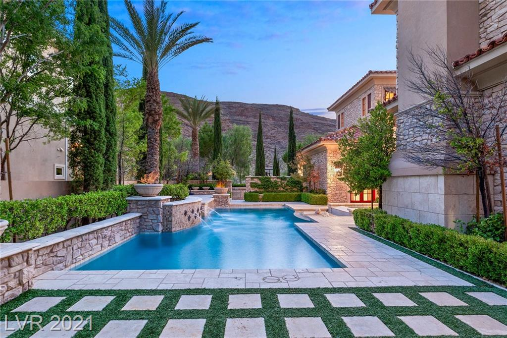 2689 RED ARROW Drive Property Photo - Las Vegas, NV real estate listing