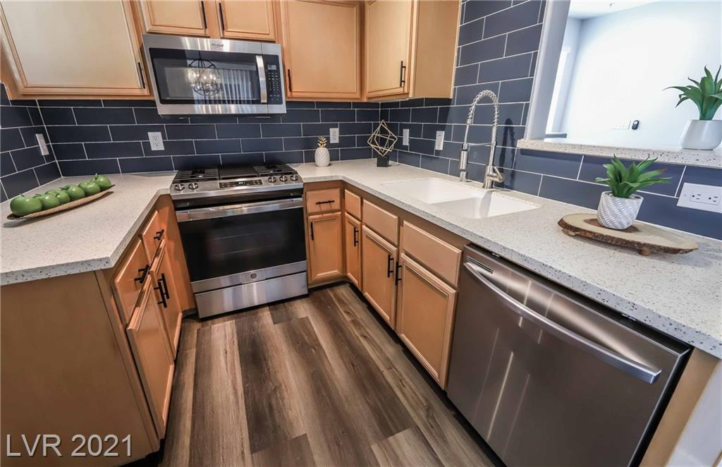9050 W Warm Springs Road #2043 Property Photo