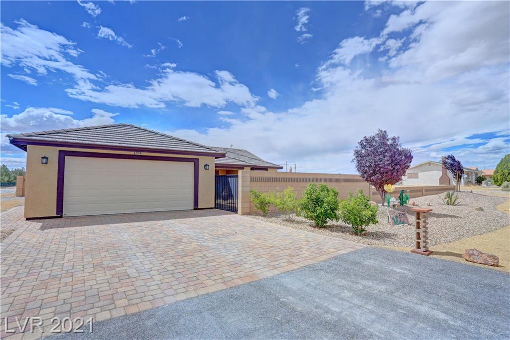 2740 S Rainbow Avenue Property Photo