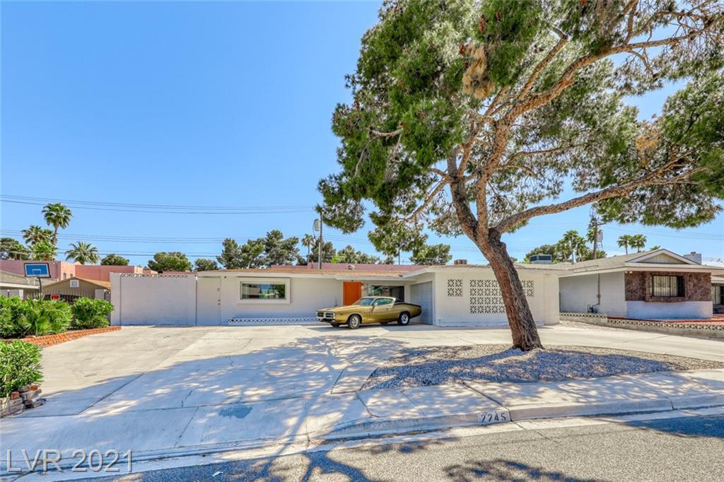 2245 Sombrero Drive Property Photo
