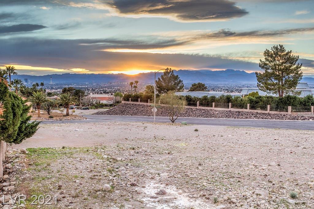 6881 Mountridge Drive Property Photo