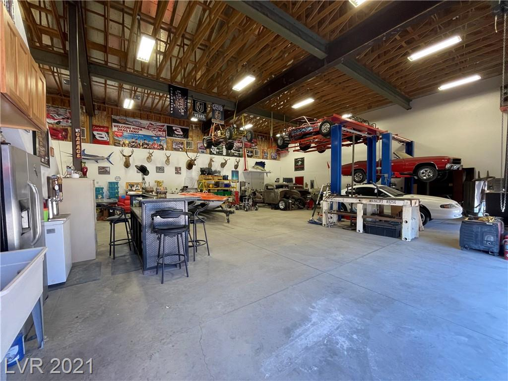5960 N Torrey Pines Drive Property Photo
