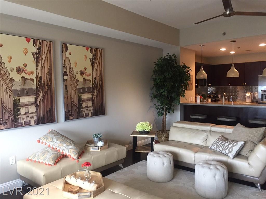 8255 Las Vegas Boulevard #814 Property Photo 1
