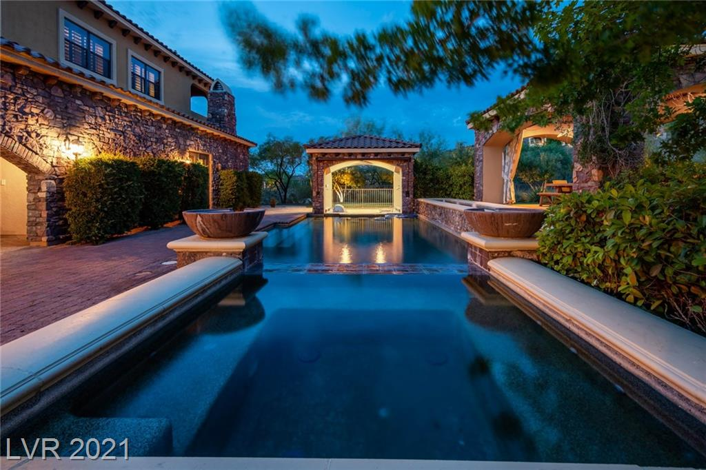 16 Paradise Valley Property Photo