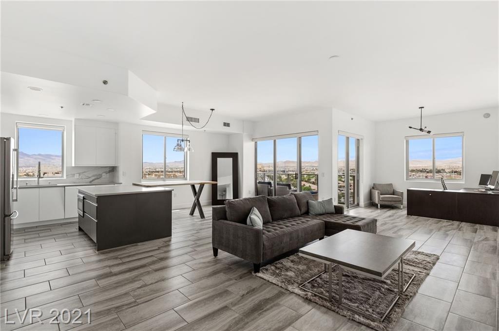 8255 Las Vegas Boulevard #1121 Property Photo 1