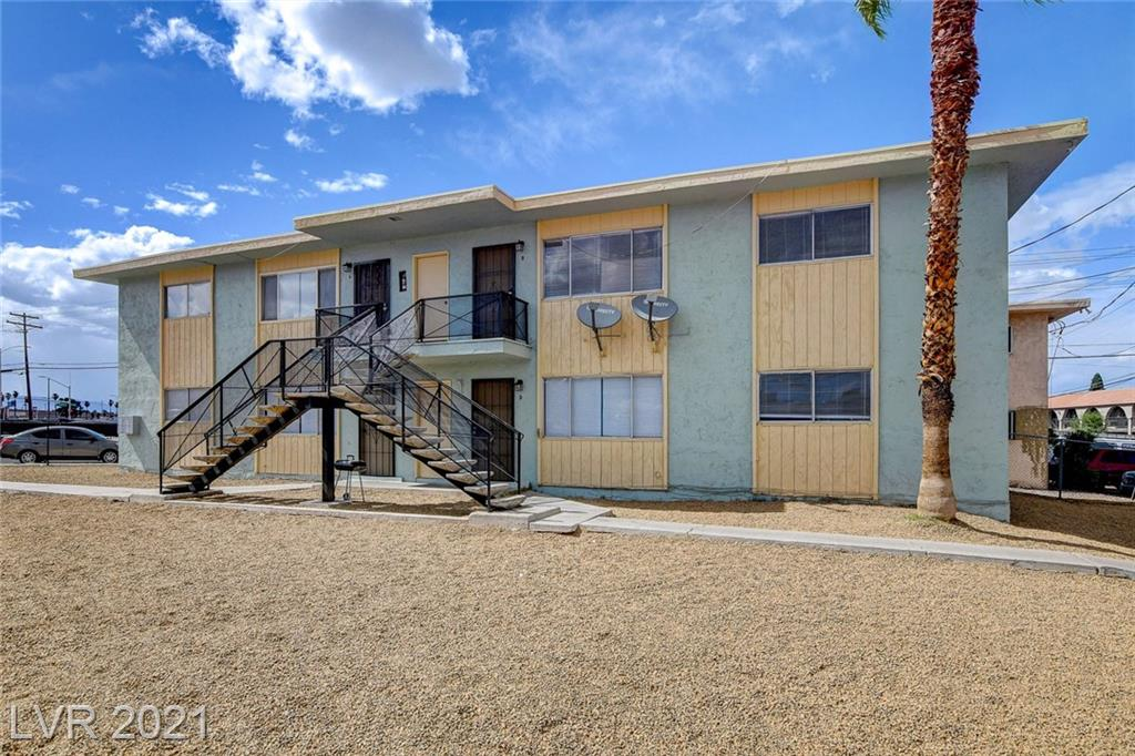 922 N 1st Street Property Photo 1