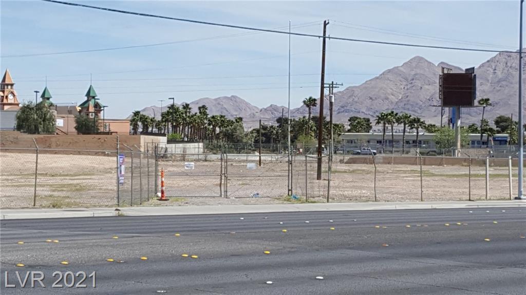 4000 E Desert Inn Road Property Photo