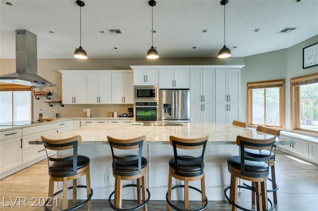 1425 E Meranto Avenue Property Photo