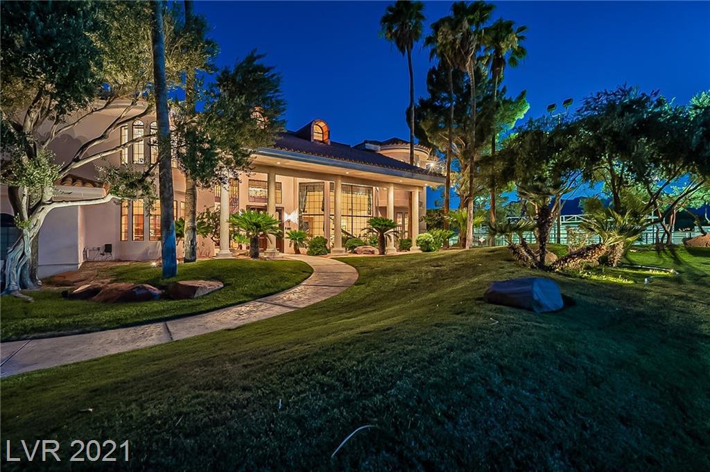 8825 W La Madre Way Property Photo