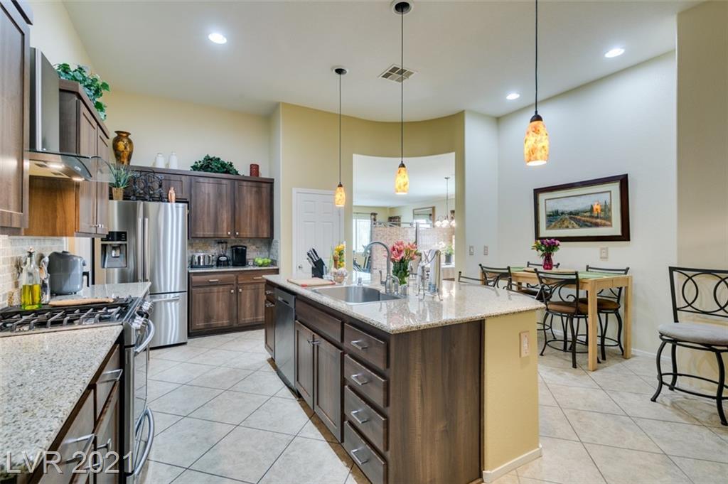 3917 Bowers Hollow Avenue Property Photo