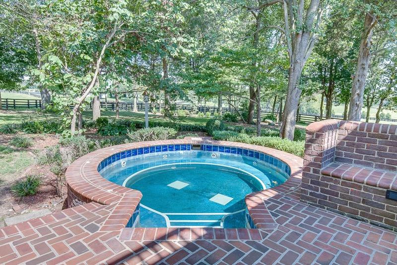 3204 Midway Road Property Photo 54