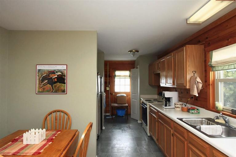 10 Midway Road Property Photo 24