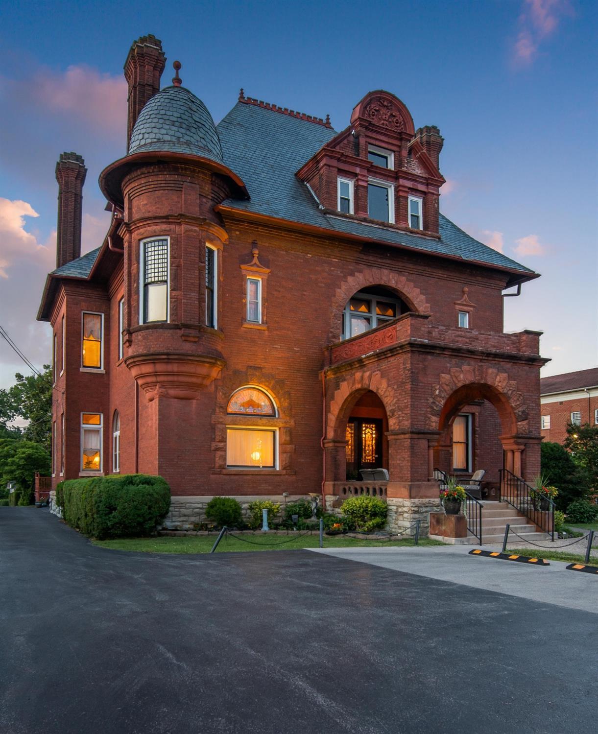 419 West Main Street Property Photo 1