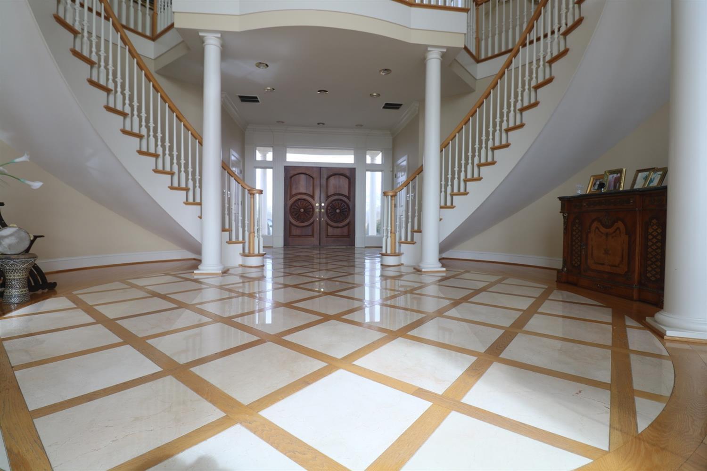 401 Waitsboro Drive Property Photo 10
