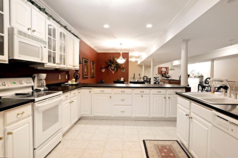 1050 Ashgrove Road Property Photo 37