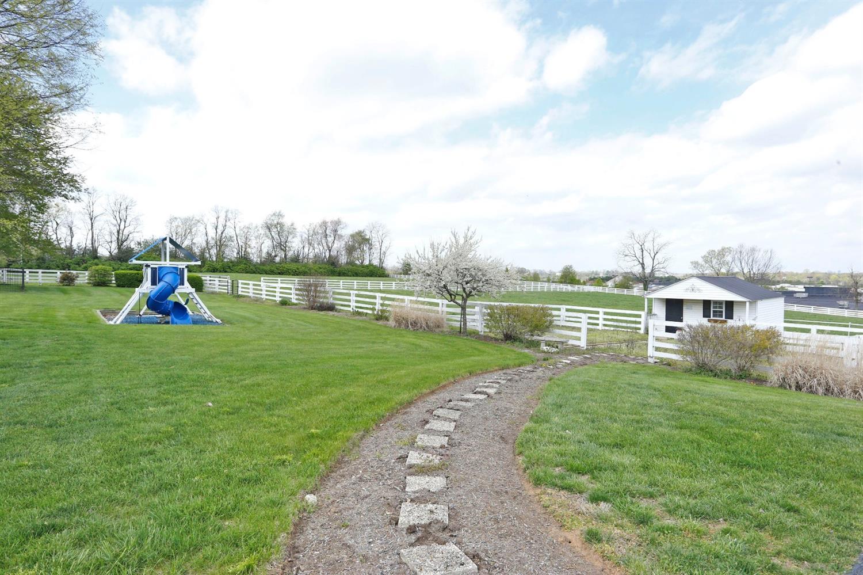 1050 Ashgrove Road Property Photo 60