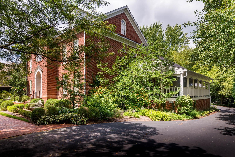1773 Eastwood Drive Property Photo 3