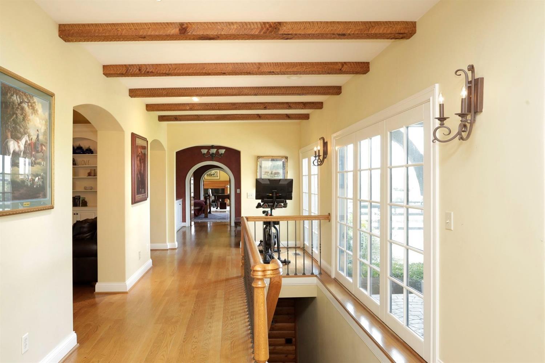 615 Gentry Lane Property Photo 7