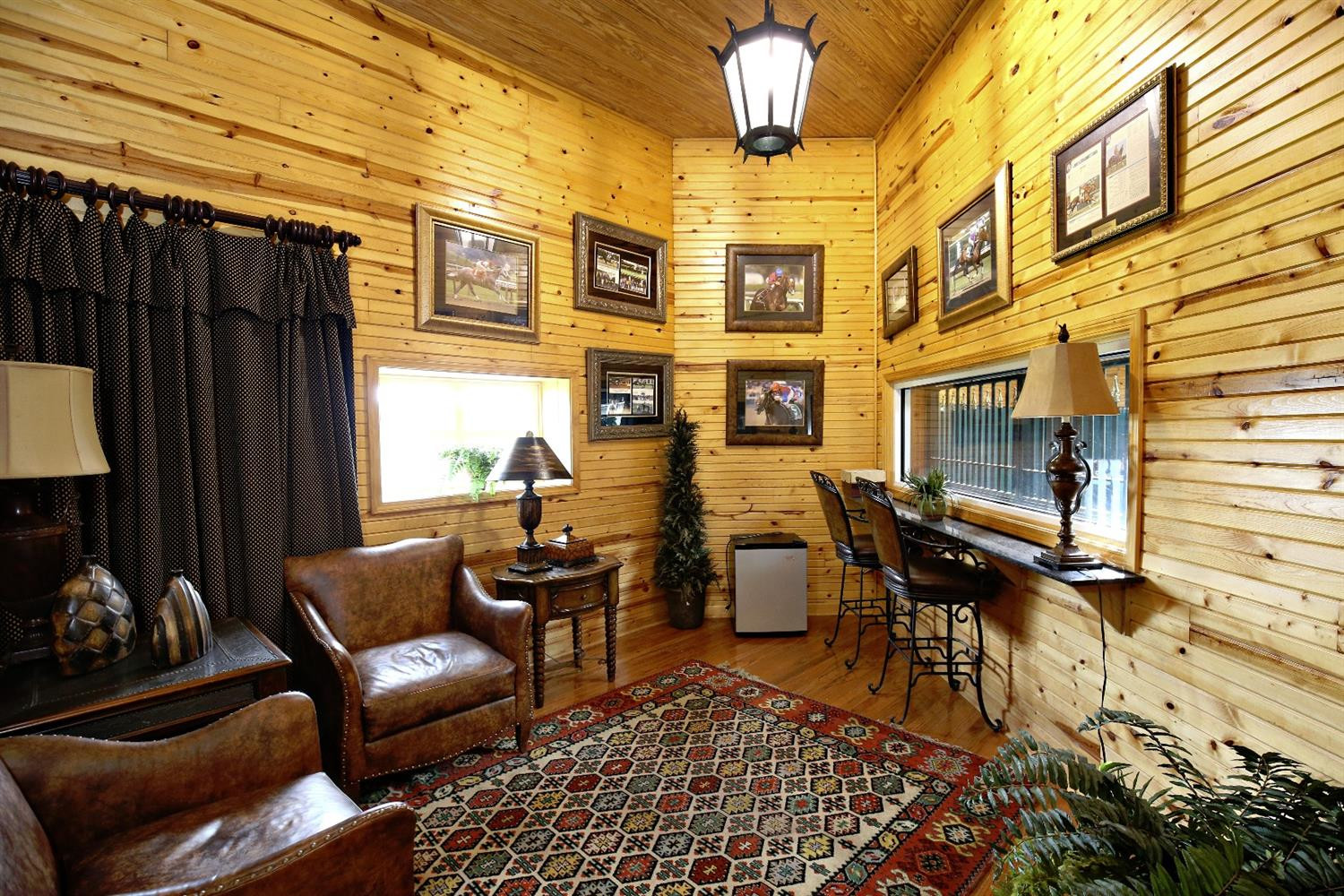 3204 Midway Road Property Photo 8