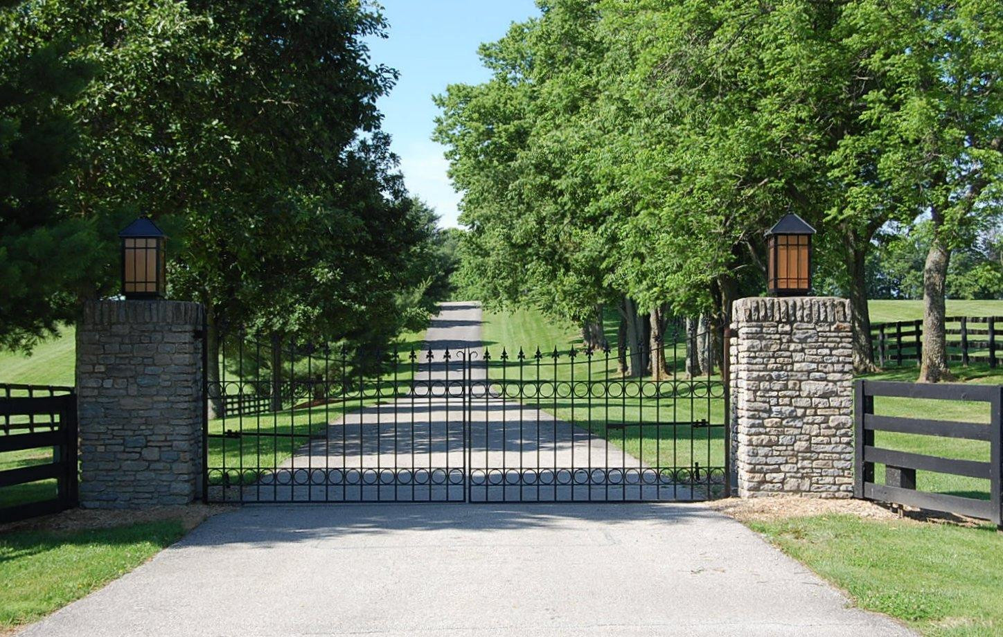 2829 Clifton Pike Property Photo