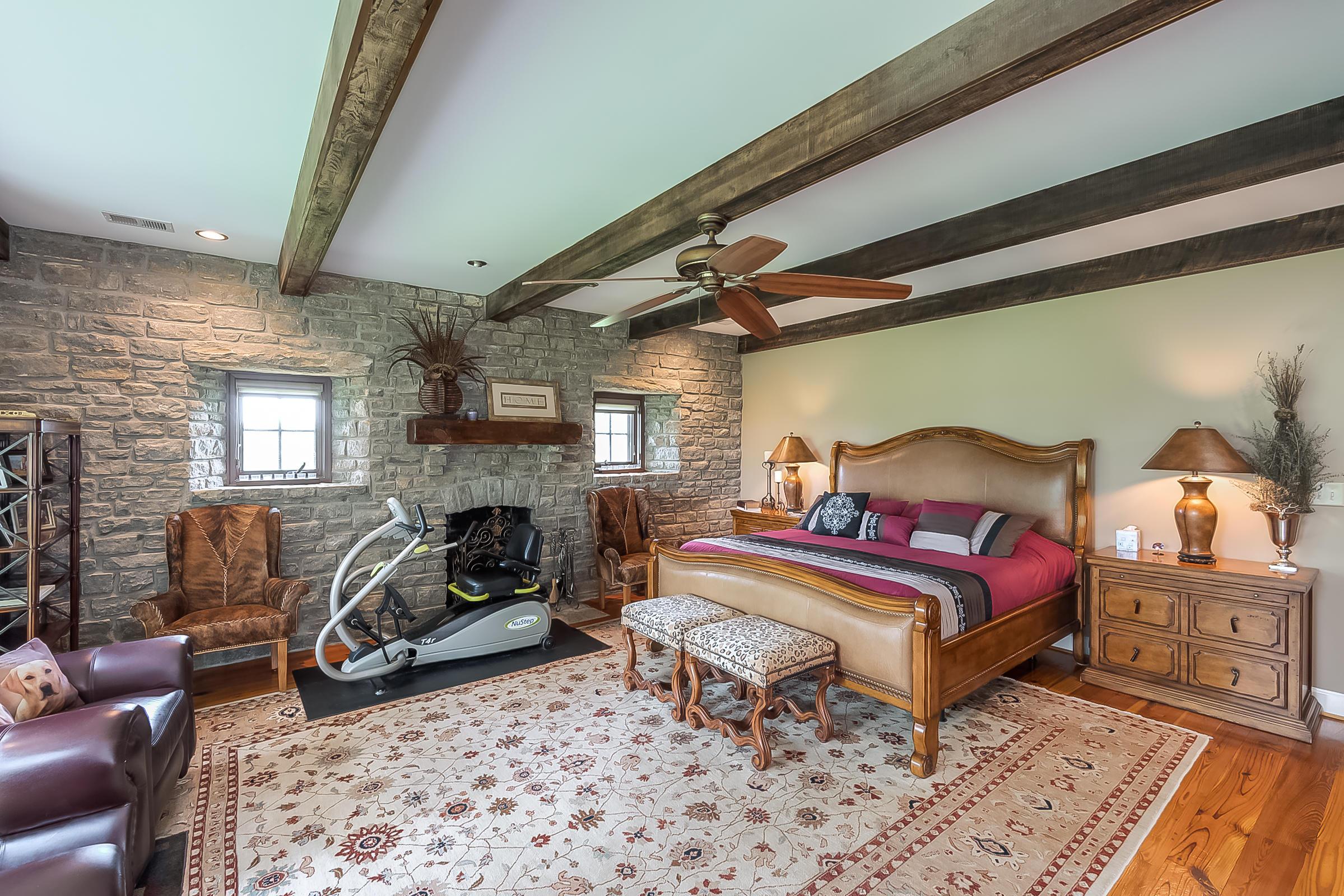 5582 Mt Horeb Pike Property Photo 54