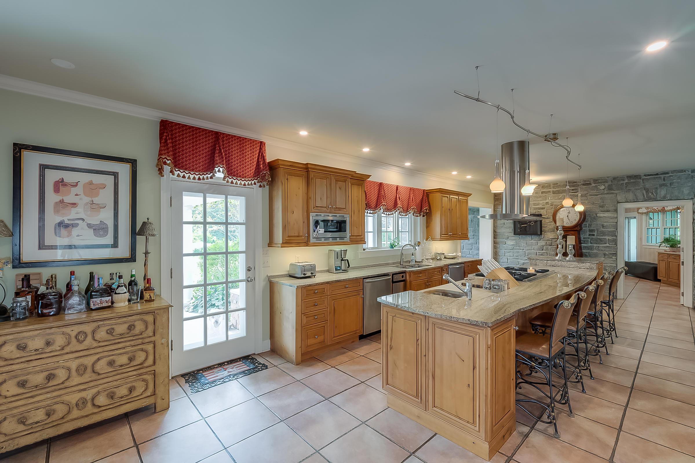 5582 Mt Horeb Pike Property Photo 77