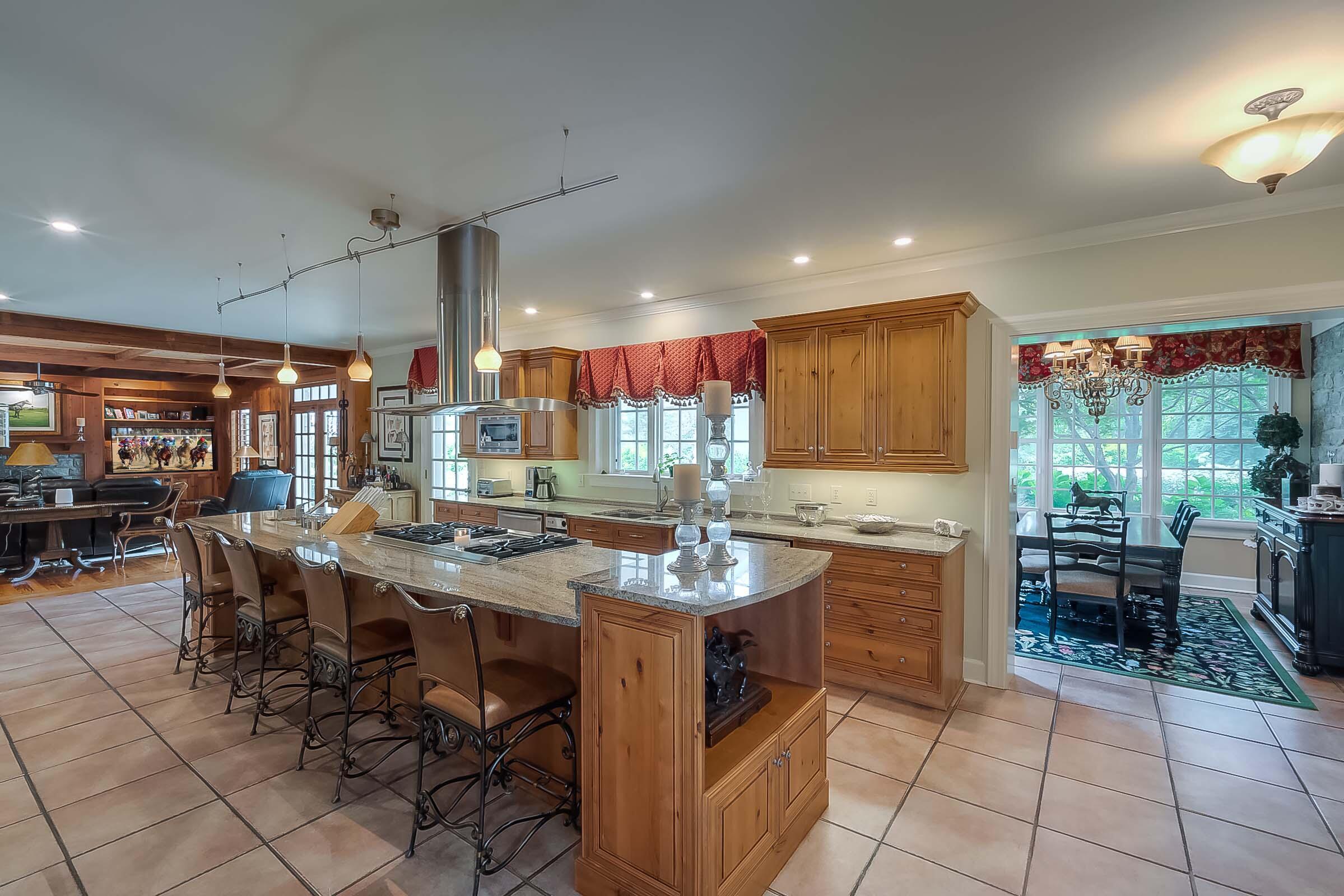 5582 Mt Horeb Pike Property Photo 78