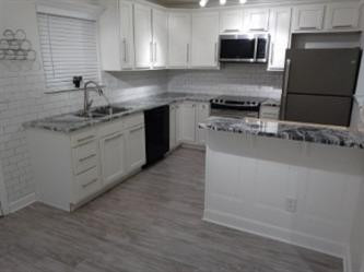2916 Blairdon Circle Property Photo 1