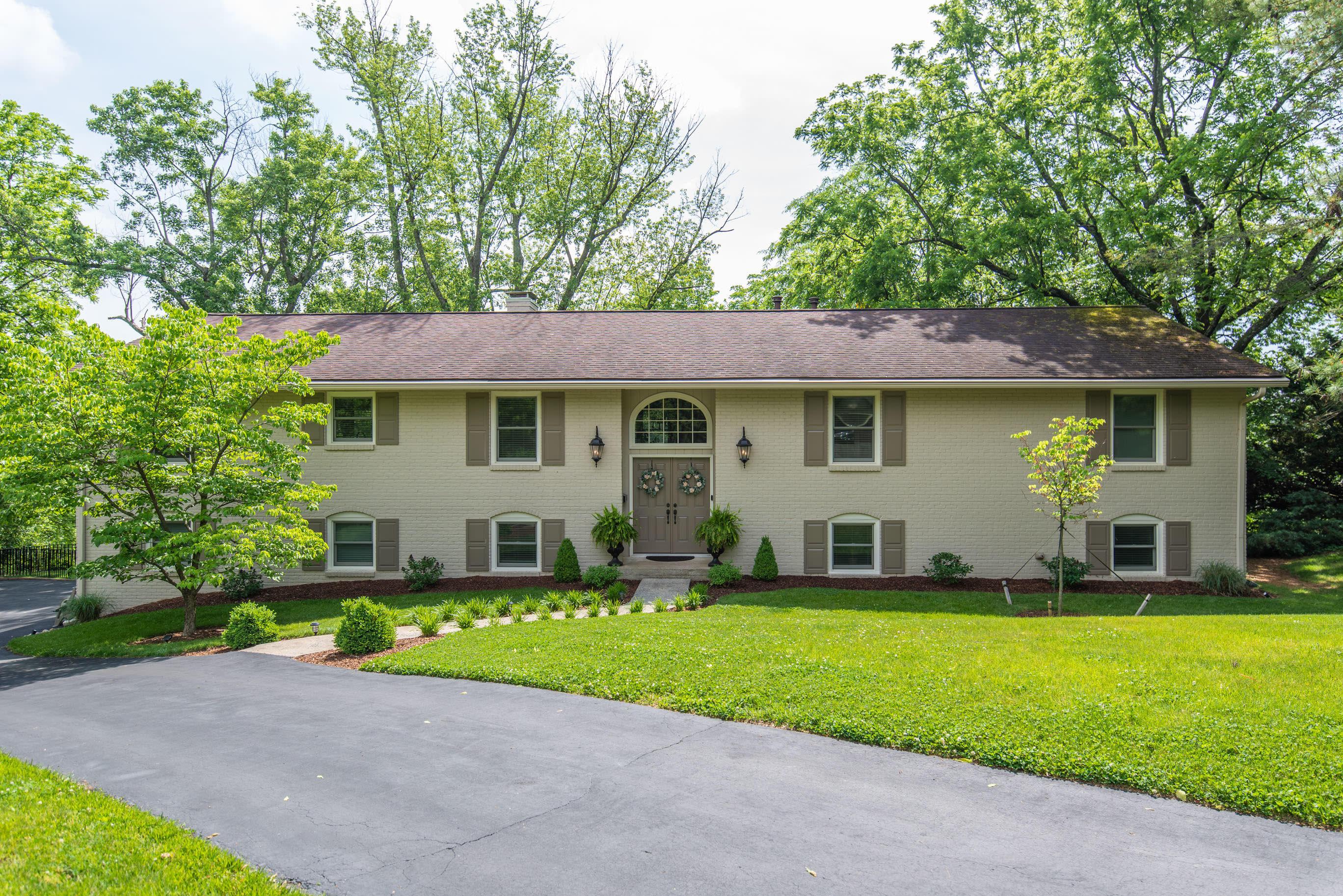 803 Overbrook Circle Property Photo 1