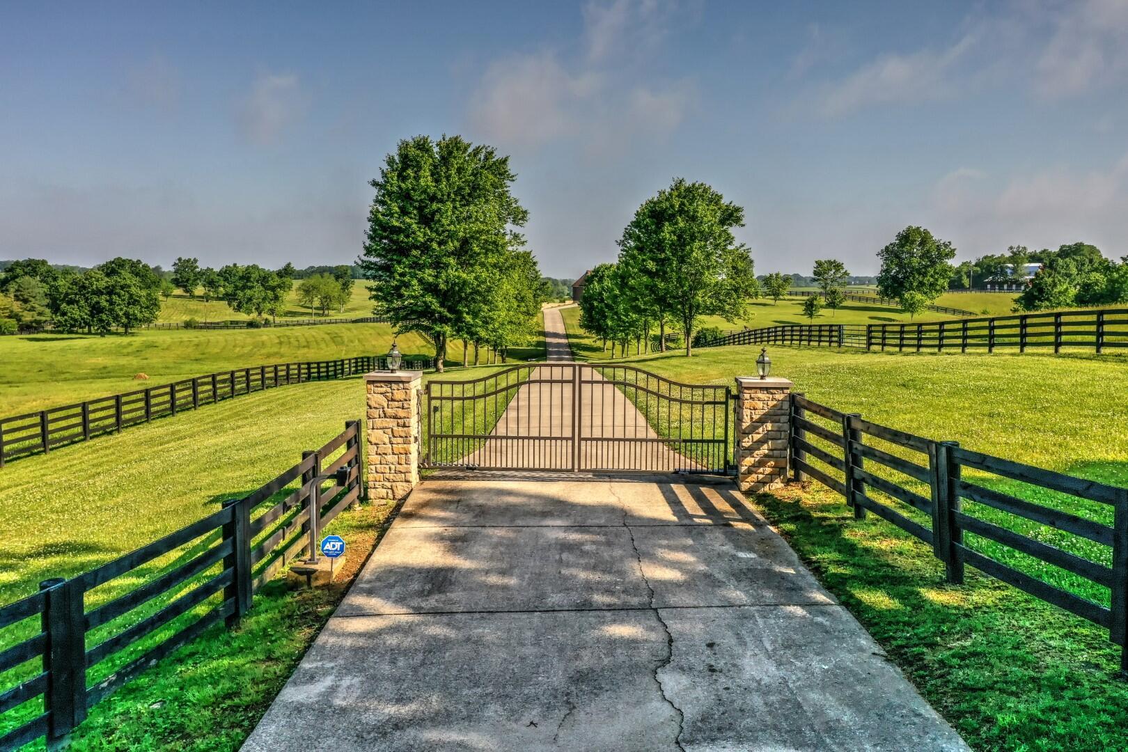 2955 Mcclure Road Property Photo 2