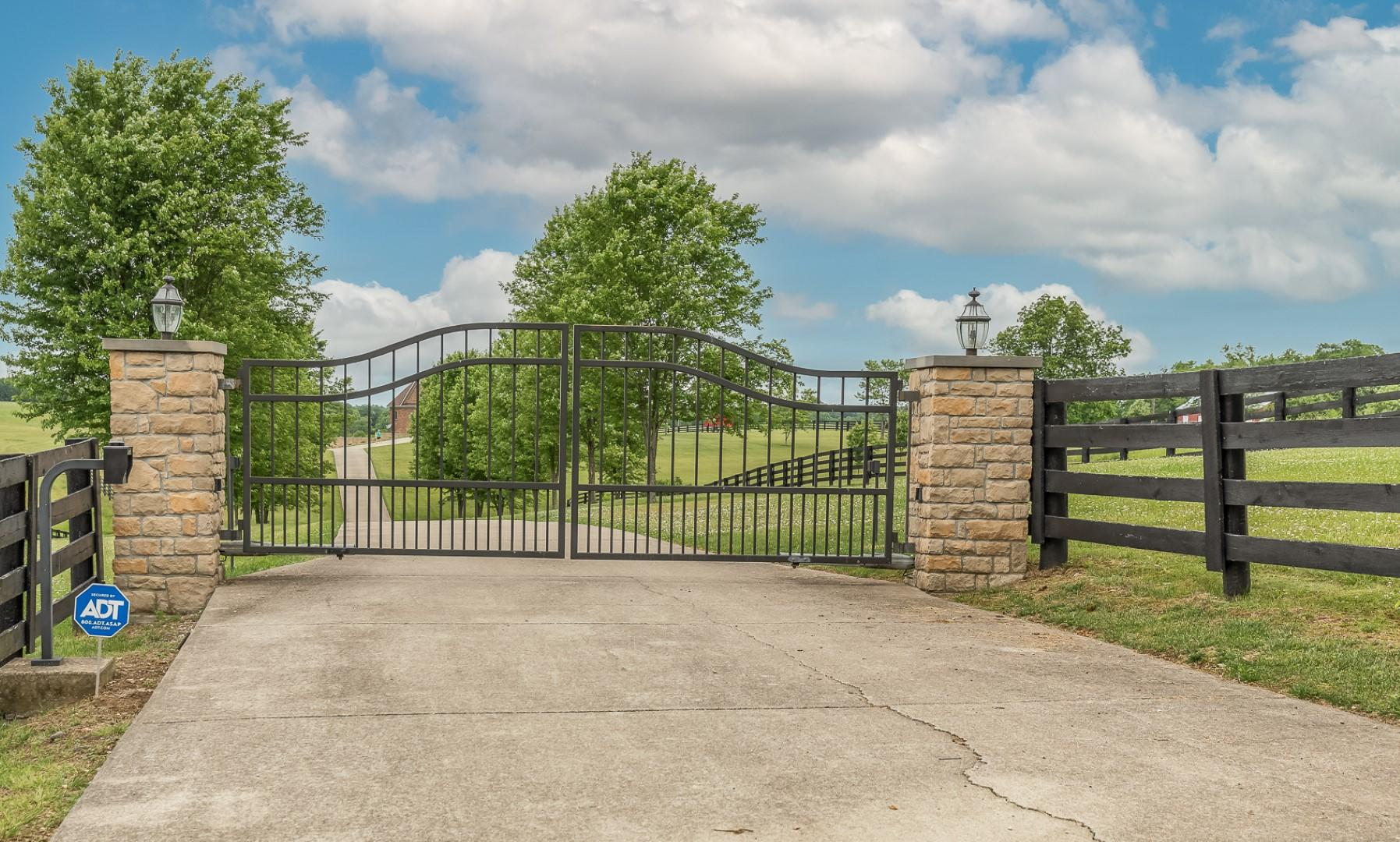 2955 Mcclure Road Property Photo 1