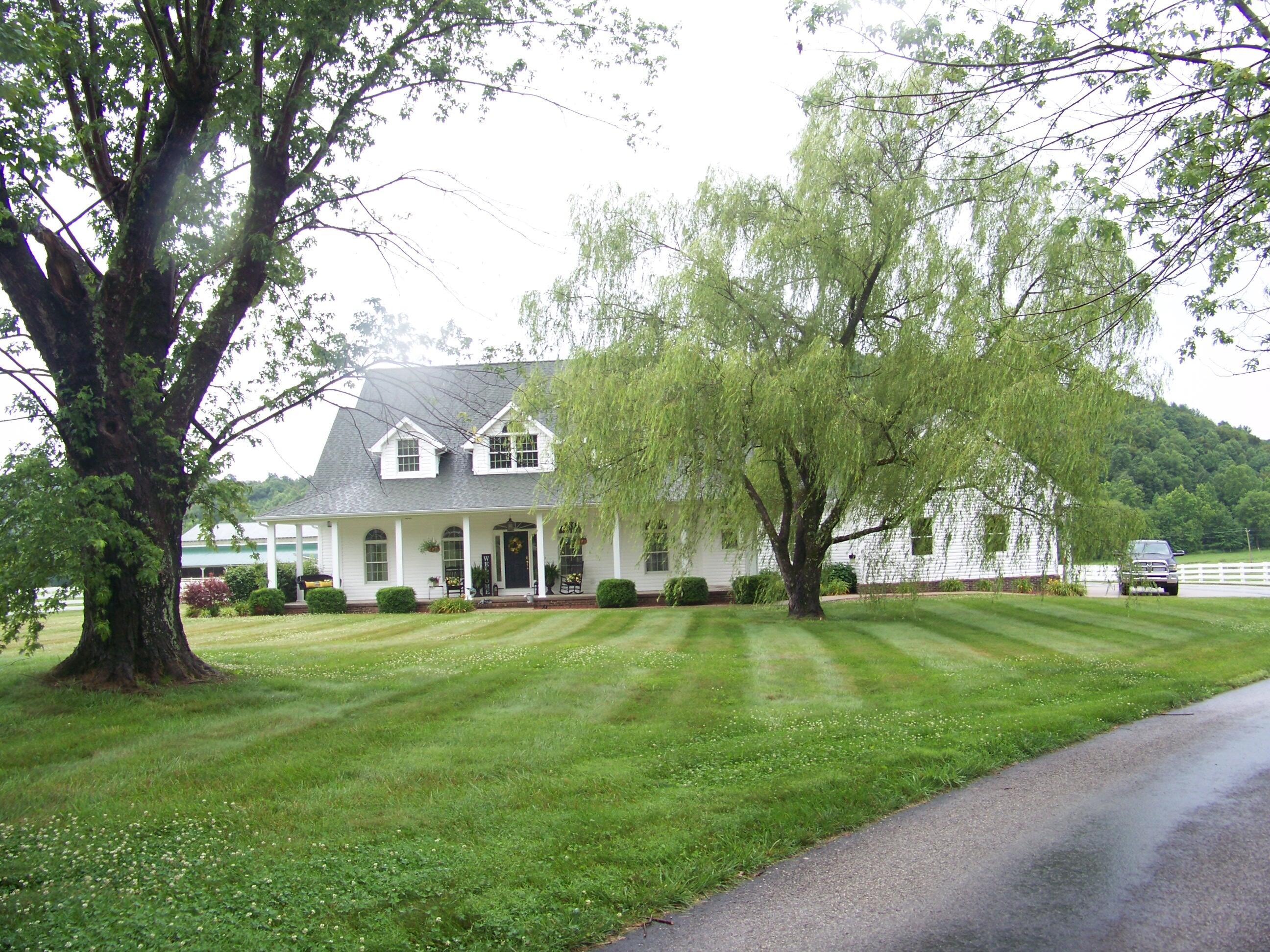 7857 Hwy 460 Property Photo 2