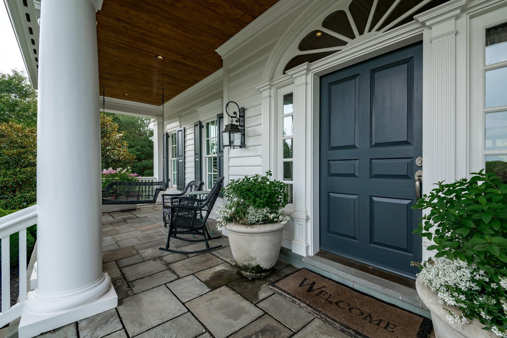 3840 Saddlecreek Lane Property Photo 4