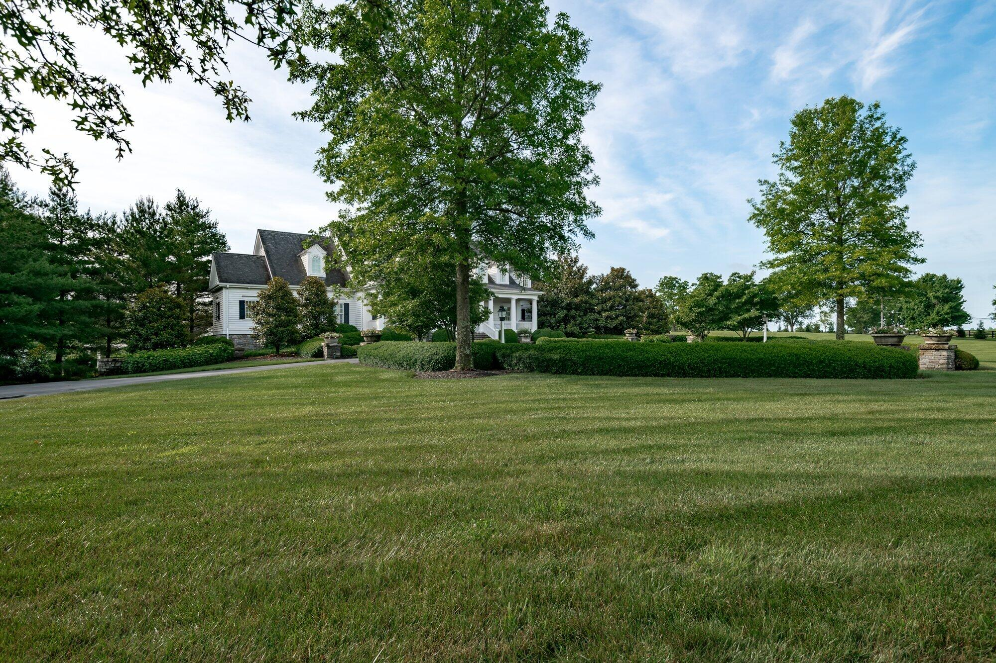 3840 Saddlecreek Lane Property Photo 5