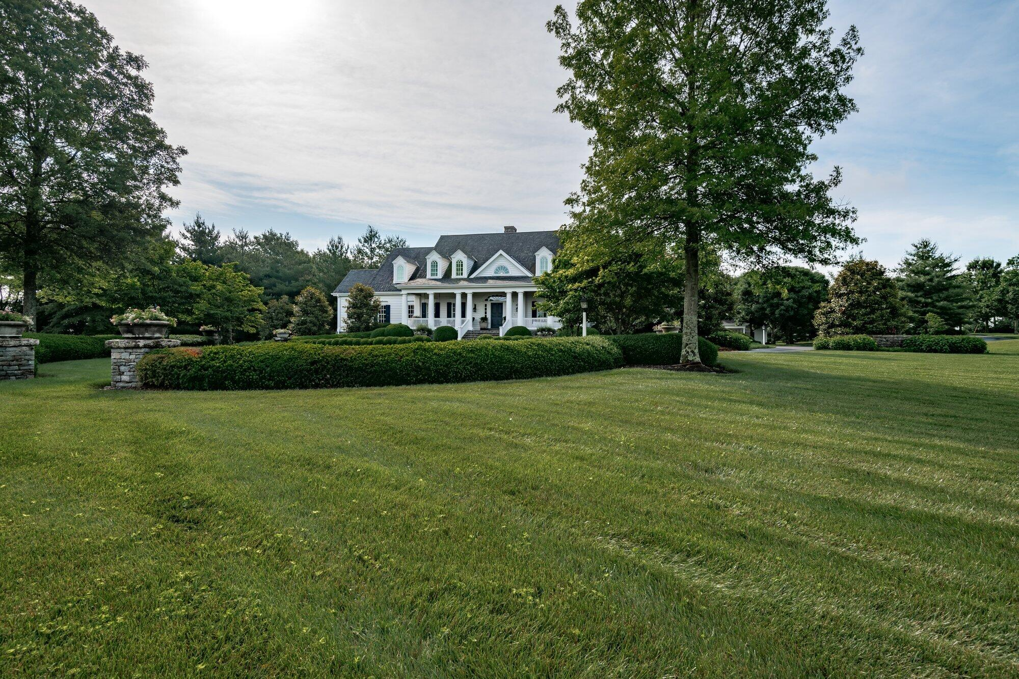 3840 Saddlecreek Lane Property Photo 7