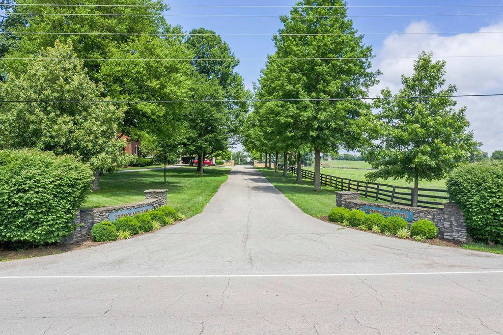 3589 Spurr Road Property Photo 1