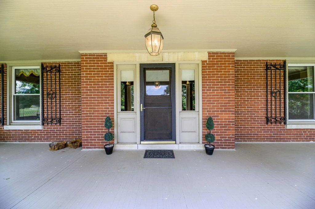 3589 Spurr Road Property Photo 6