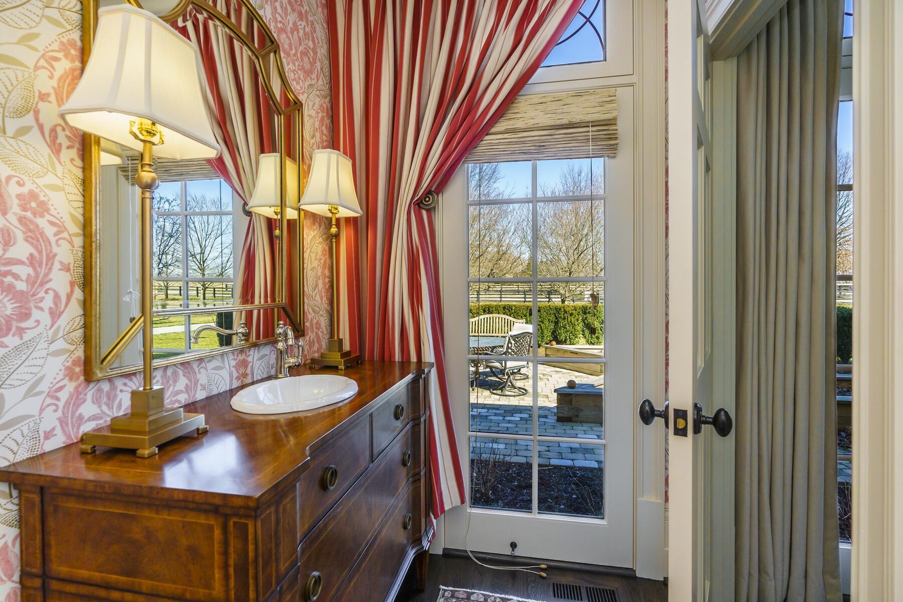 450 The Grange Lane Property Photo 33