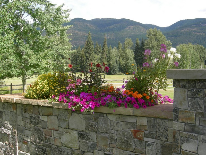 405 Delrey Road Property Photo 7