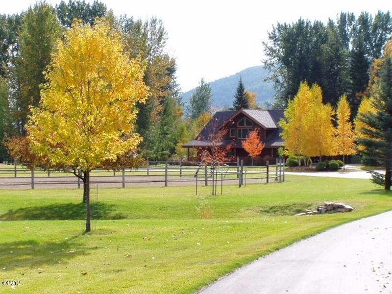 405 Delrey Road Property Photo 9