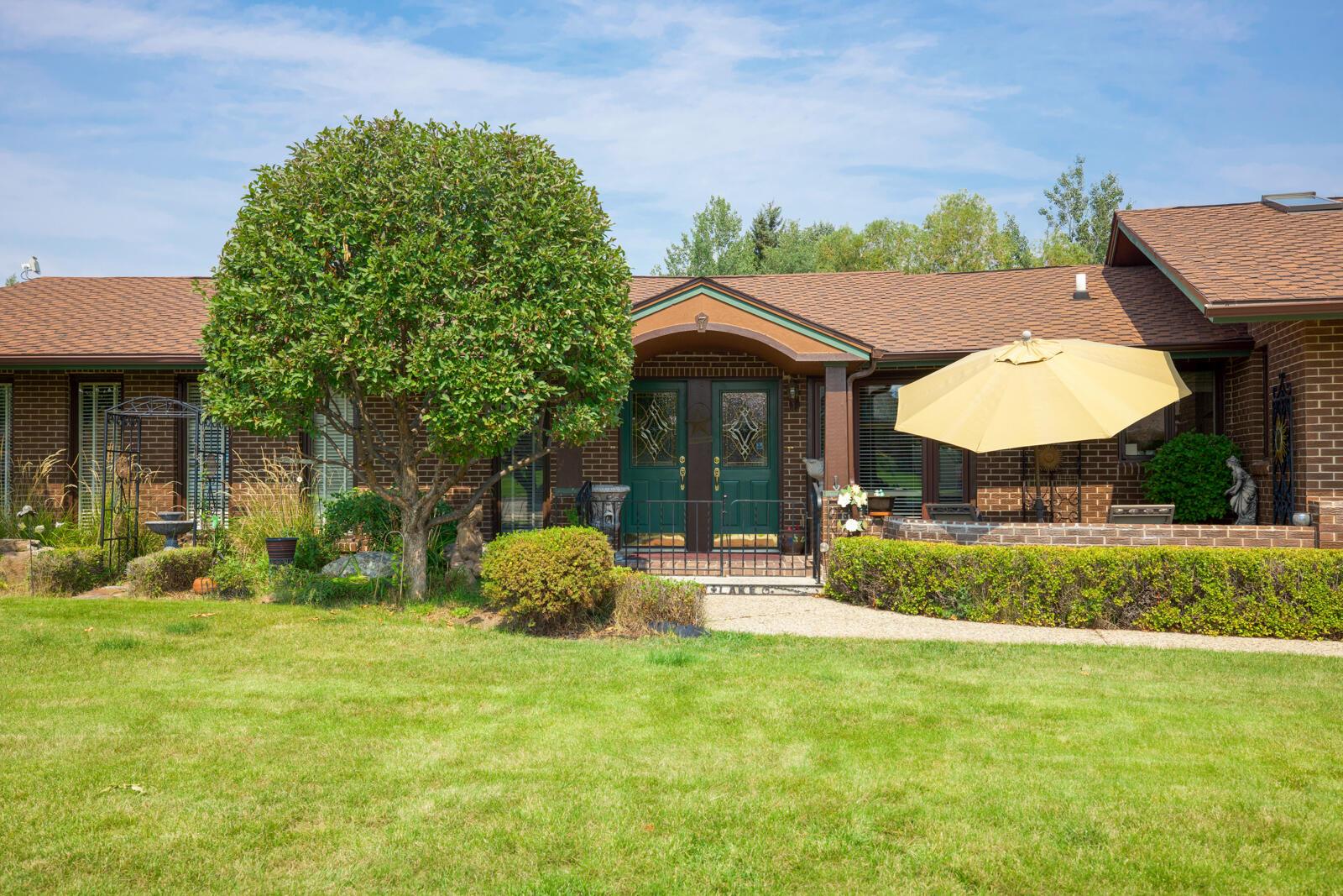 7 Cedar Lake Drive Property Photo 1