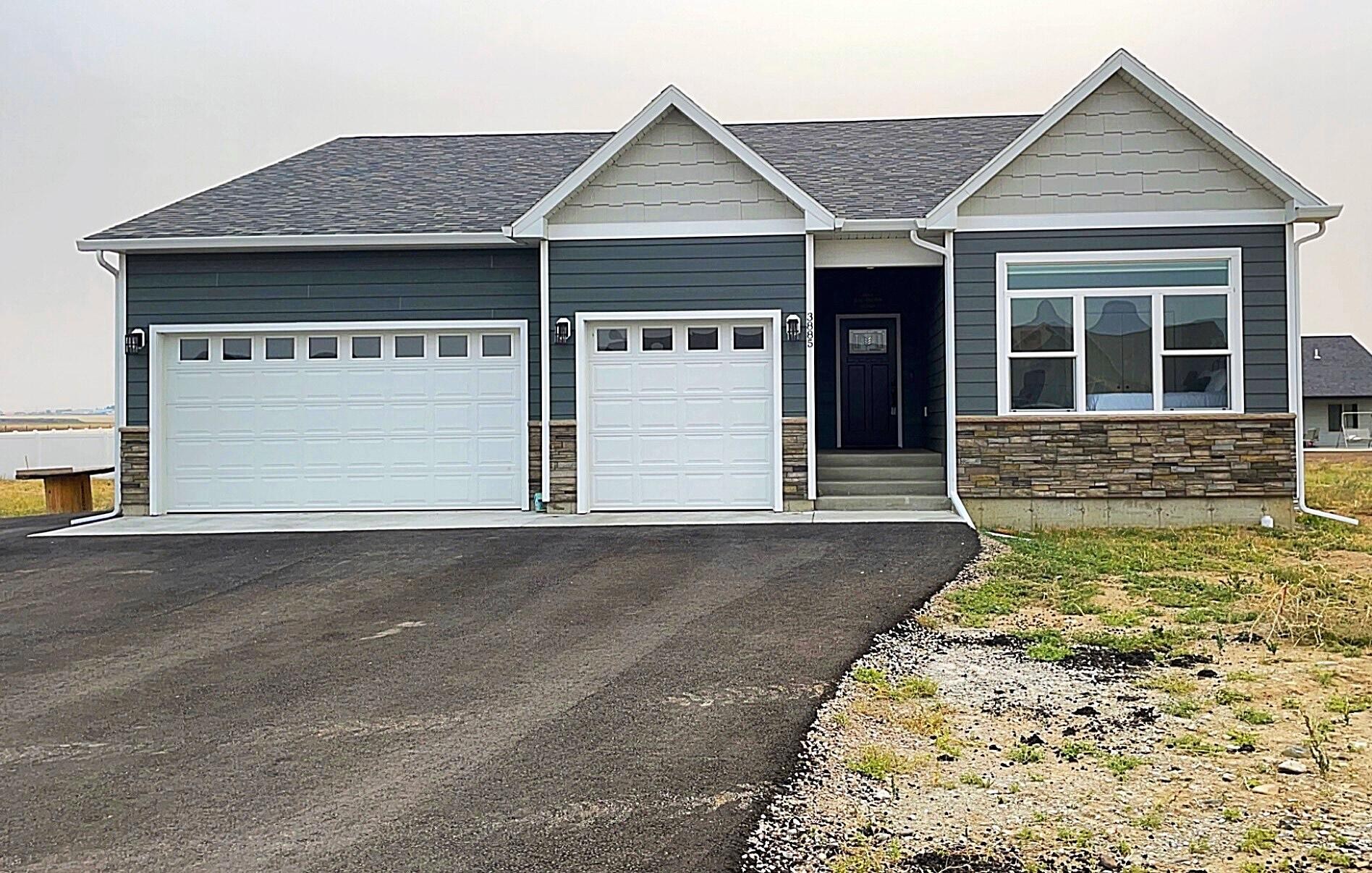 3885 Highwood Road Property Photo 1