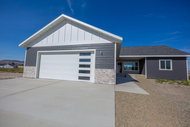 25 Sharon Loop Property Photo 1