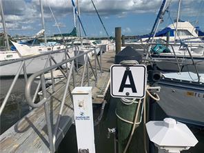 385 Angler DR Property Photo - GOODLAND, FL real estate listing