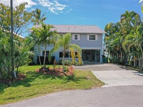 584 Coconut AVE Property Photo - GOODLAND, FL real estate listing